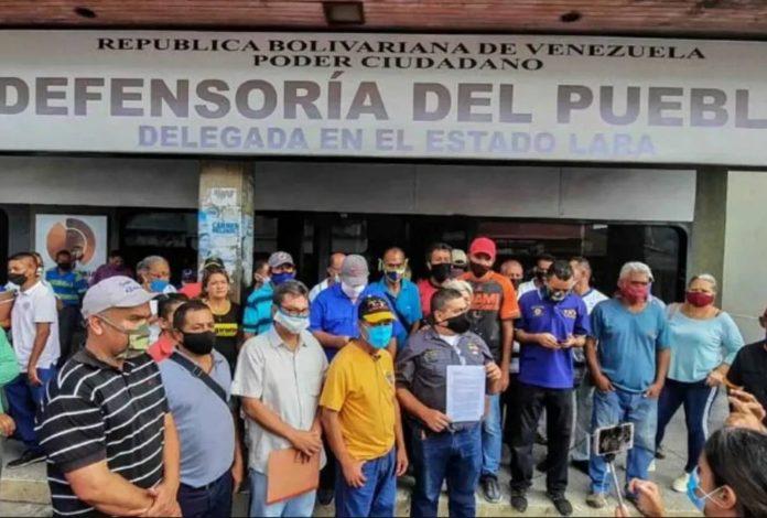 LARA: Transportistas protestaron por exclusiones para surtir gasolina en E/S